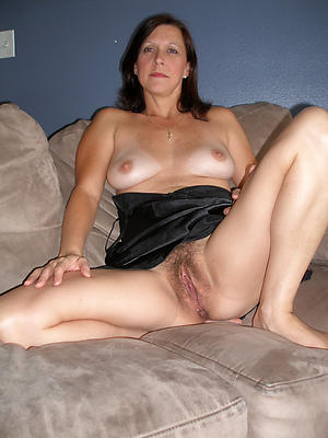 xxx pictures of mature hairy vagina