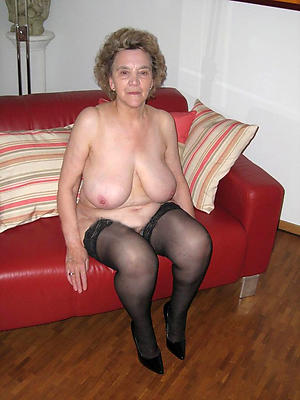 naked mature woman to heels