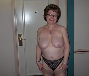 horney housewife Bohemian pics