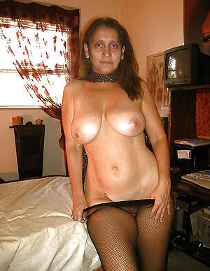 super sexy latina milf