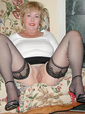 mature mom frontier fingers sex pics