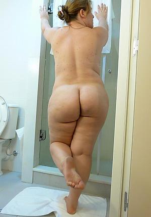 sexy mature mom legs