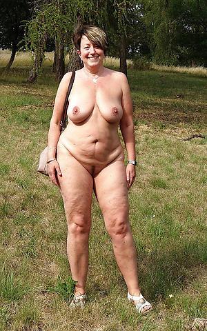 nice mature legs nude photo