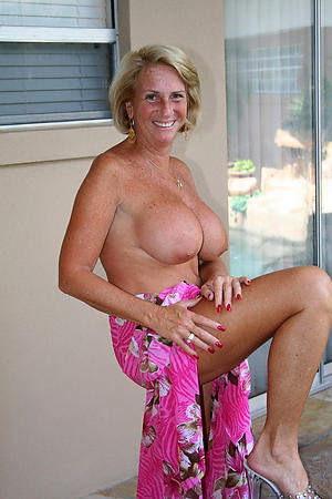 free pics of adult women with chap-fallen feet