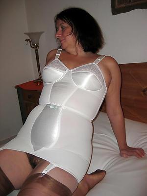 matured in lingerie amateur pics
