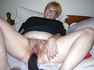 nasty hot women masturbating