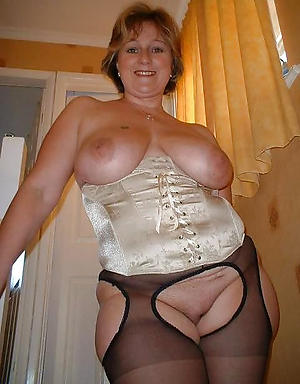 free pics of hot horny mom