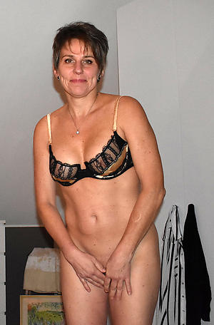 sex galleries of hot horny mom