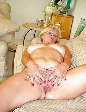 beautiful nude grandma