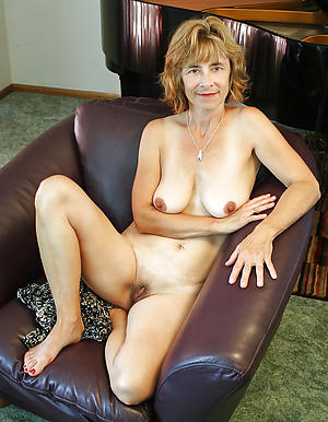 amateur older women nude