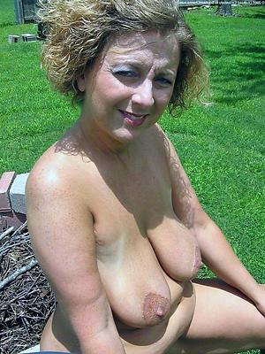 xxx older women nude
