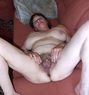 fantastic women love posing nude