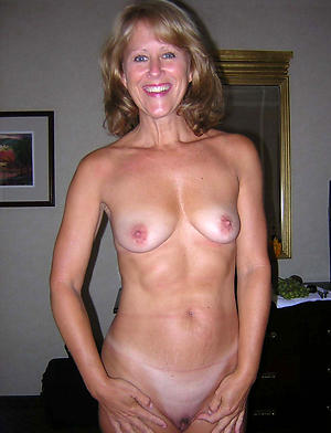 curious naked women porn pictures