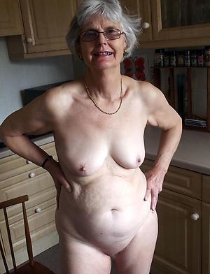 old roasting woman posing nude