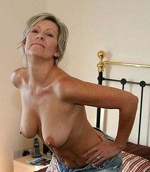 amateur mature women nude porn pics