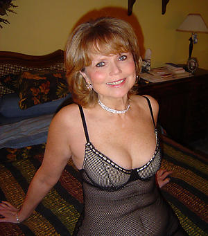 full-grown amateur milfs posing nude