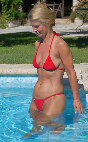 hot bikini women private pics