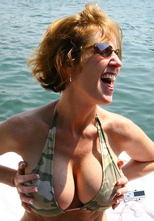 lovemaking galleries of women in bikinies