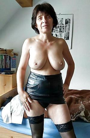 hot brunette women porn pics