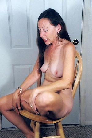 hot sunless women posing nude