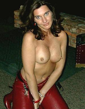 busty hottest brunette women