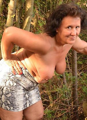 hottest brunette women nude photo
