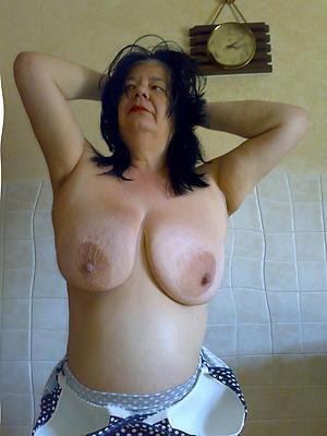 naked hottest brunette women
