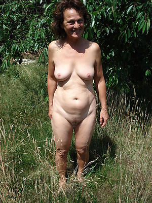 amazing mature brunette women