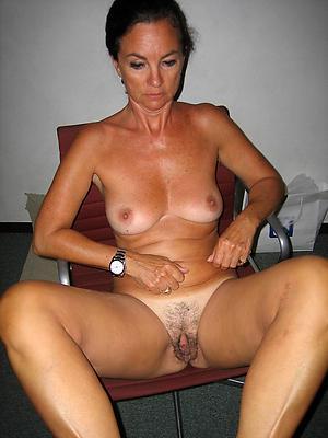 mature brunette women free pics