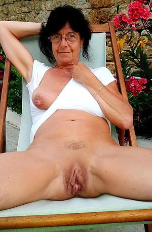 mature brunette battalion posing nude