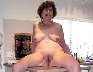 beautiful chubby naked women
