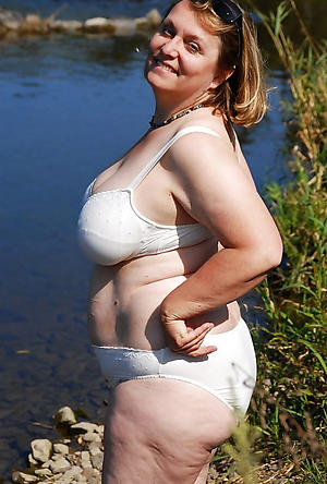 spectacular chubby women posing nude