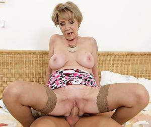 naked mature amateur women fucking