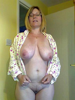 gaffer granny in glasses