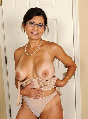 nourisher with glasses porn pics