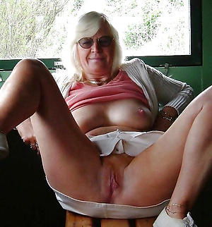 nude pics of mature with glasses