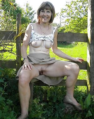 porn pics of easy mature open-air