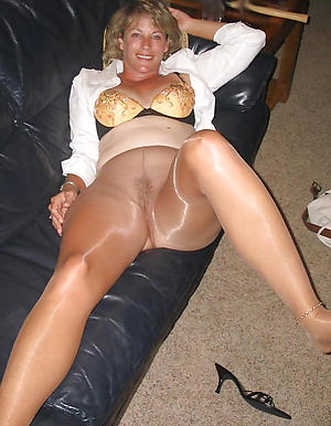 amateur mature in pantyhose sex pics