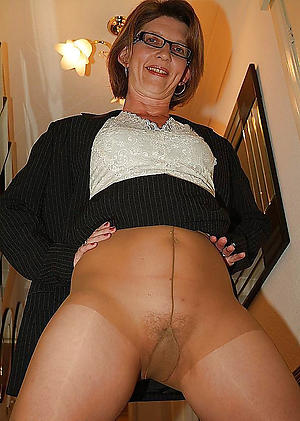 old little one in pantyhose love posing nude