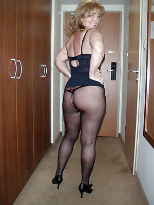 amateur women in pantyhose images