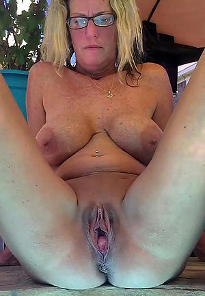 nude women tight pussy