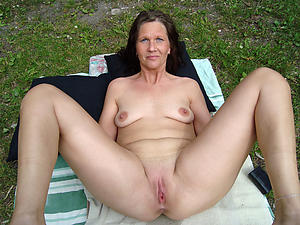 naked moms saggy bosom obese nipples