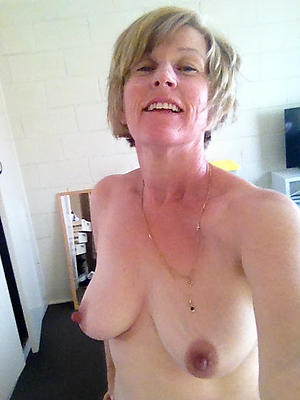 naked selfie hot wife