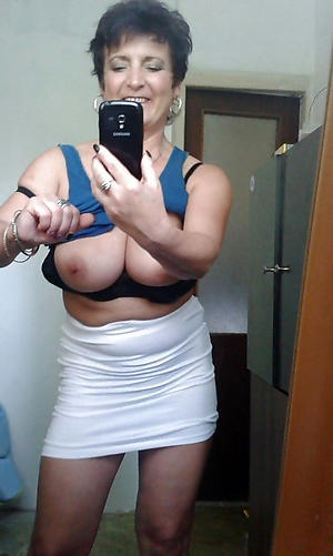 beautiful cute mom selfie