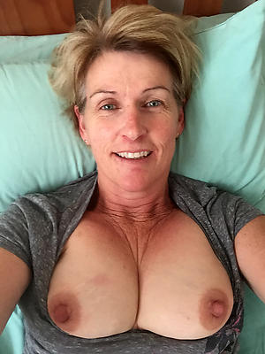 sexy grown-up selfie tits