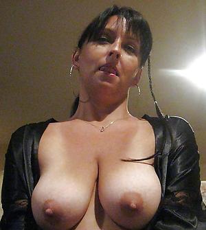 xxx amateur naked selfie