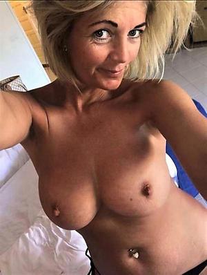 crazy amateur naked selfie