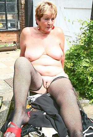mature shaved pussy amateur pics