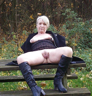 mature shaved pussy free pics