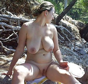 mature shaved pussy porn pictures